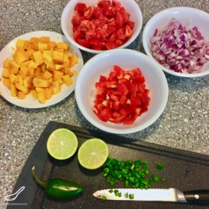 Easy and delicious, sweet and tangy, the perfect salsa dip with nachos or with grilled chicken or fish - Fresh Mango Tomato Salsa