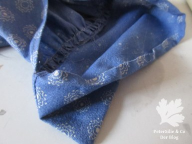 bluse-himmelblau-manschette