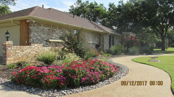 ranch front yard landscaping