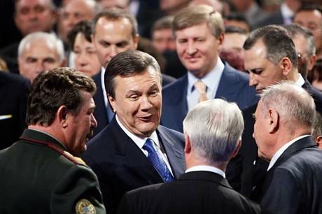 Yanukovich_Akhmetov