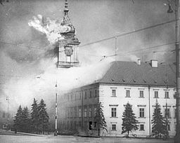 Royla Castle Warsaw Burning 1939. Wikipedia Creative Commons.