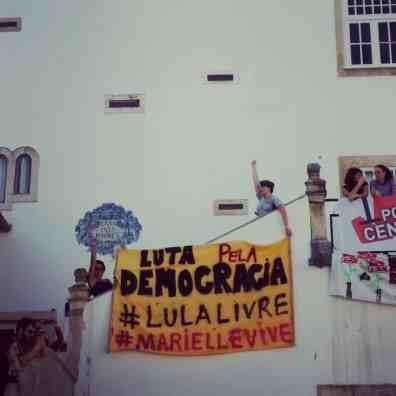 faixa de Lula e Marielle