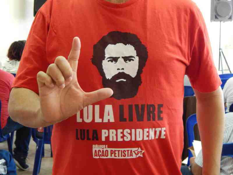 Camiseta Lula Livre do DAP minas