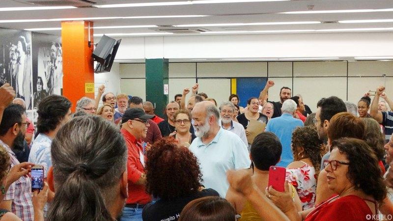 Plenário do 8º ENDAP recebe João Vaccari Neto com aplausos