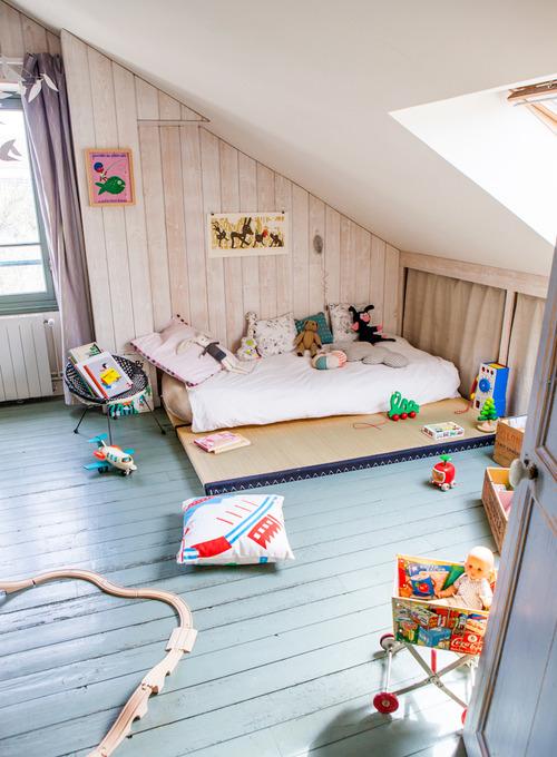 A Cosy Attic Room Petit Small