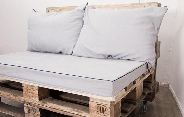 coussin d 39 assise canape palette canap palettes. Black Bedroom Furniture Sets. Home Design Ideas