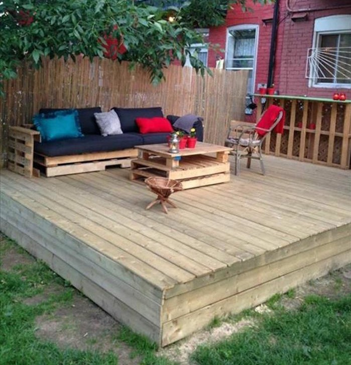 canap de jardin en palette tuto canap palettes. Black Bedroom Furniture Sets. Home Design Ideas
