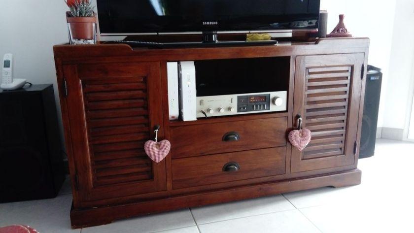 meuble t l maison du monde canap palettes. Black Bedroom Furniture Sets. Home Design Ideas