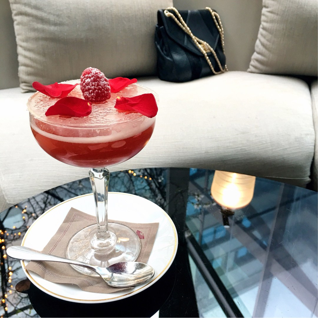 dynamite-rose-mandarin-oriental-cocktail-champagne