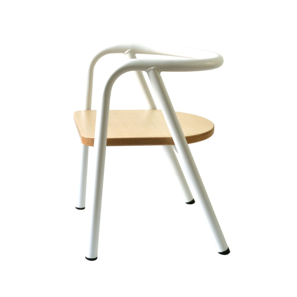 mum-and-dad-factory-chaise-enfant-blanc-metal