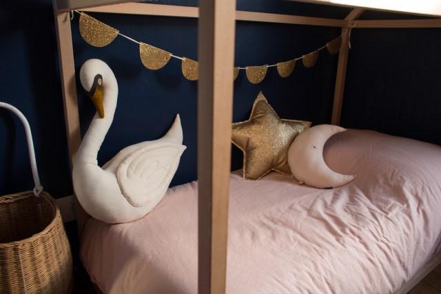 chambre-mila-peinture-tollens-lit-cabane-nobodinoz-enfant-kids-room-decor