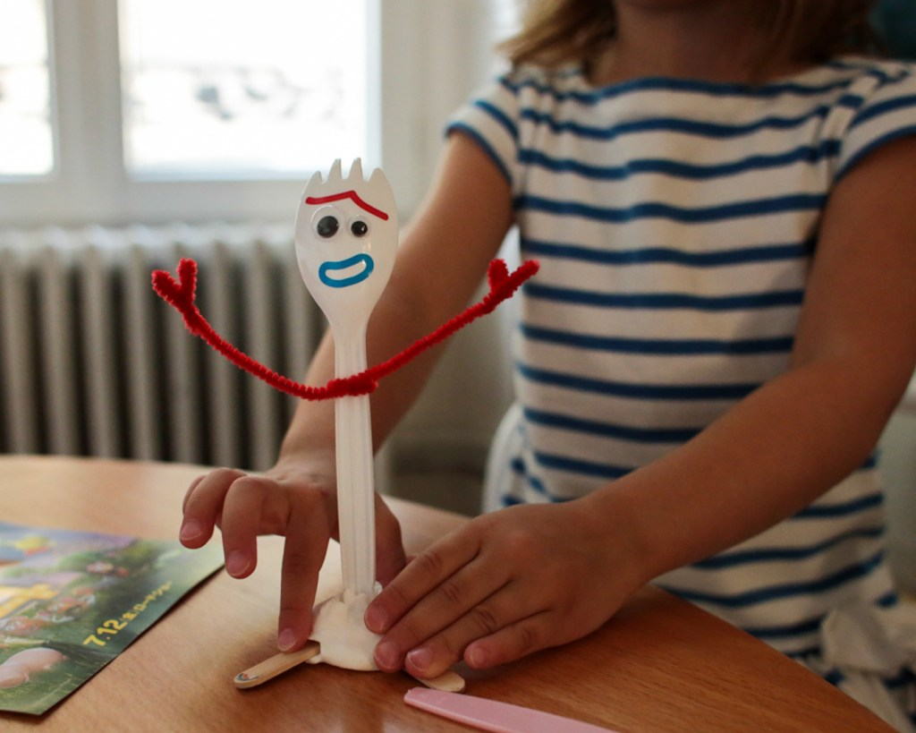 fourchette-forky-diy-toy-story-4-disney-pixar