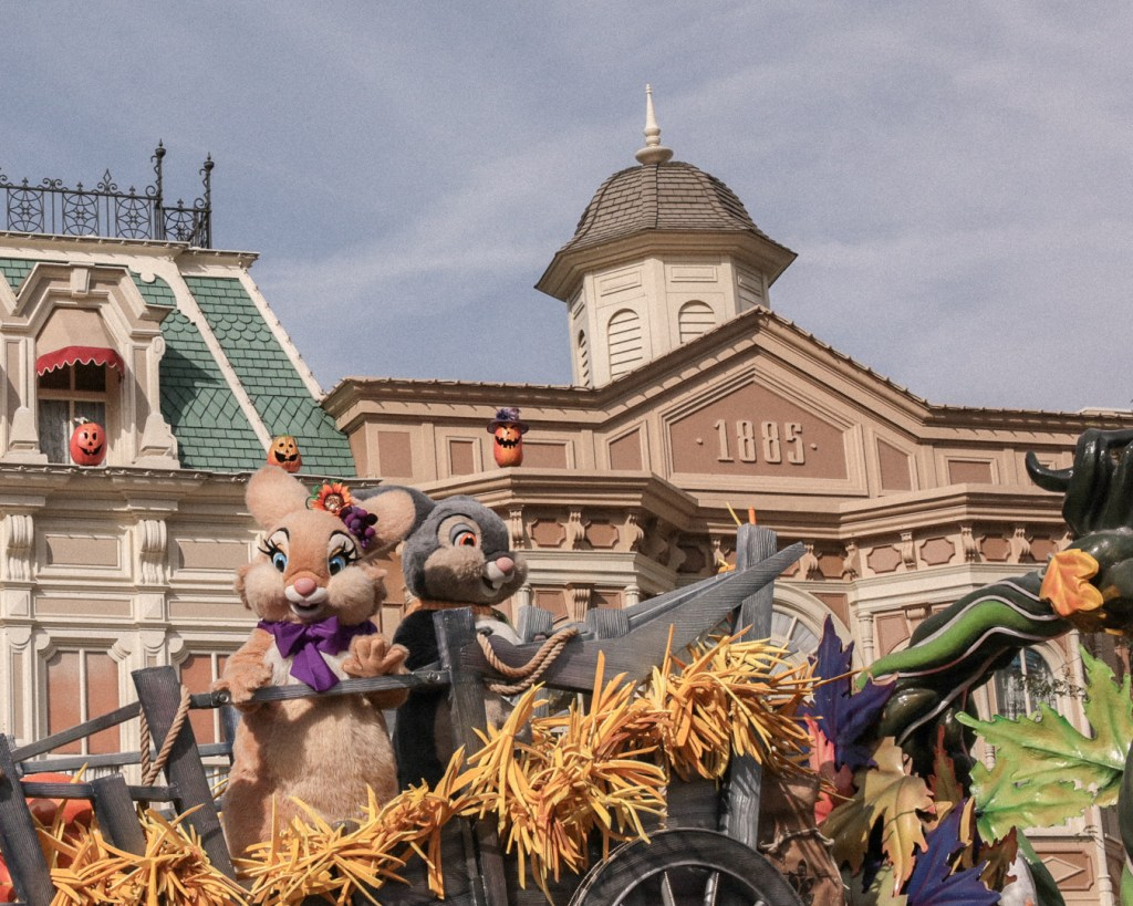 disneyland-resort-paris-festival-halloween-2019-are-you-brave-enough-la-celebration-halloween-de-mickey-pan-pan-miss-bunny