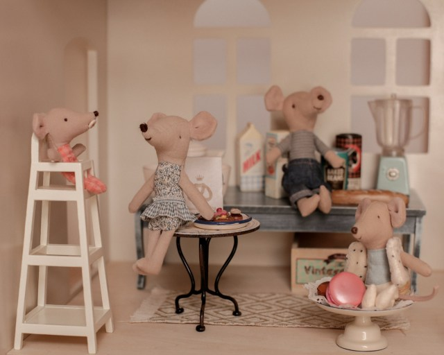 maileg-maison-de-poupees-meubles-souris-lapin-tailles-sizing-cuisine