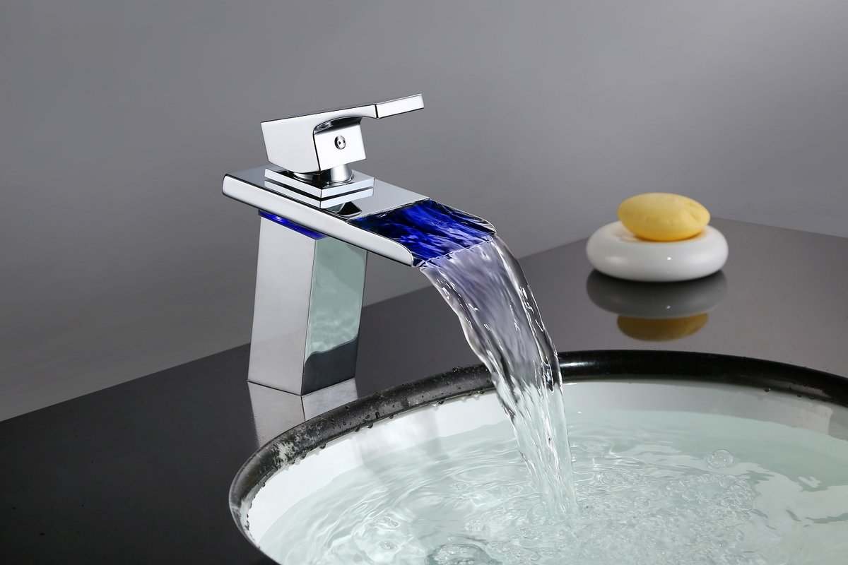 5 robinets cascade originaux et pas cher  Petite salle de bain