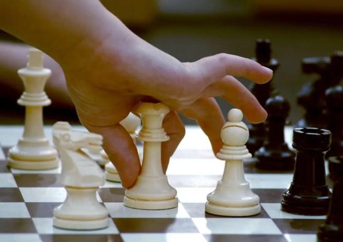 Apprendre les échecs à 6 ans nécessite de savoir les mouvements autorisés pour chaque pièce.