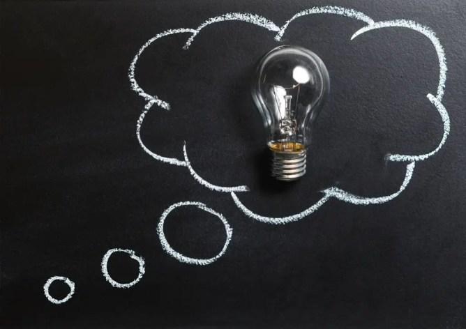Apprendre les échecs aux enfants pour améliorer leurs capacités à résoudre des problèmes