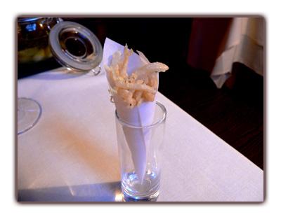 """Chanquetes (au fond le bocal """"d'olives"""")"""