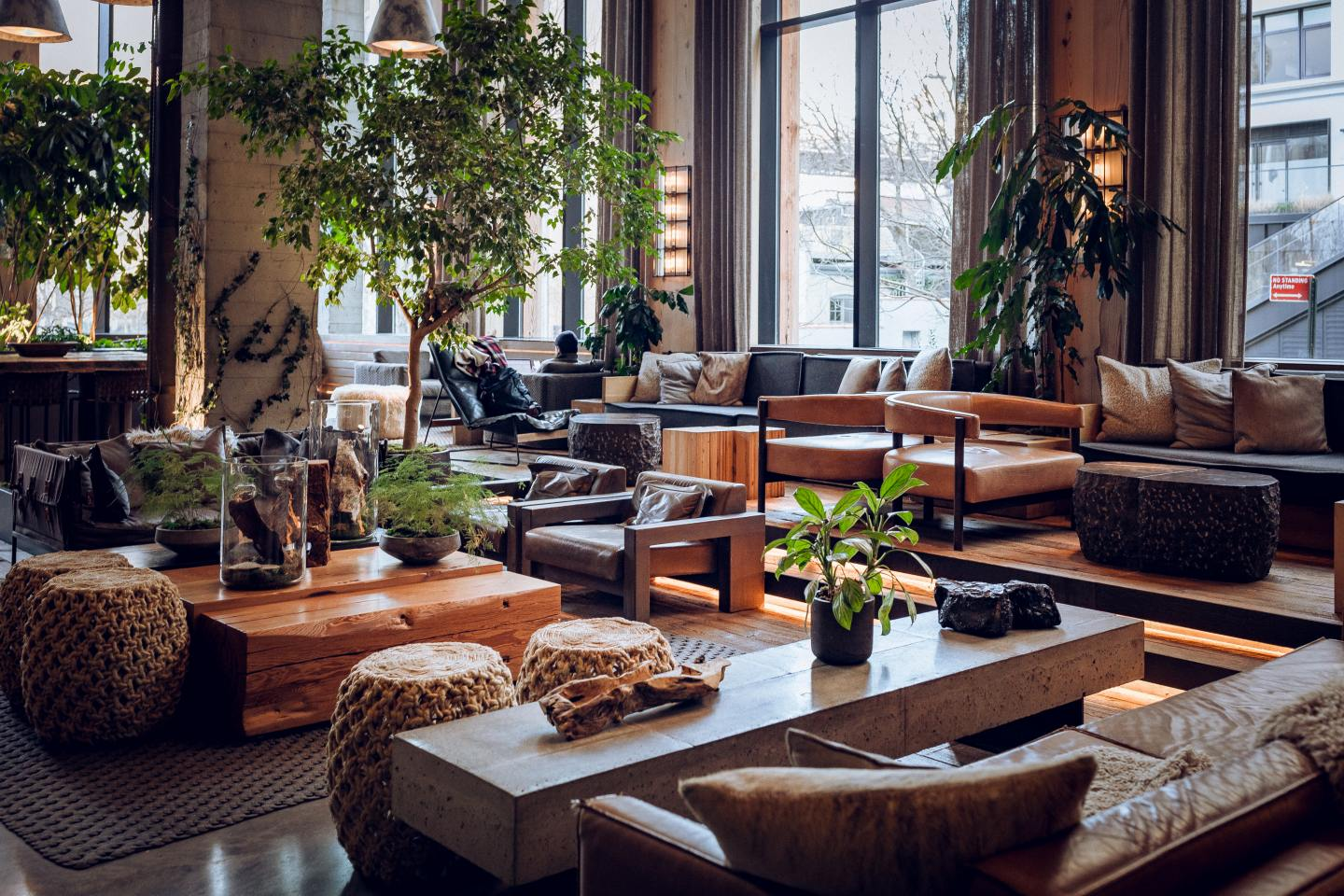 Hotel lobby with seats and plants