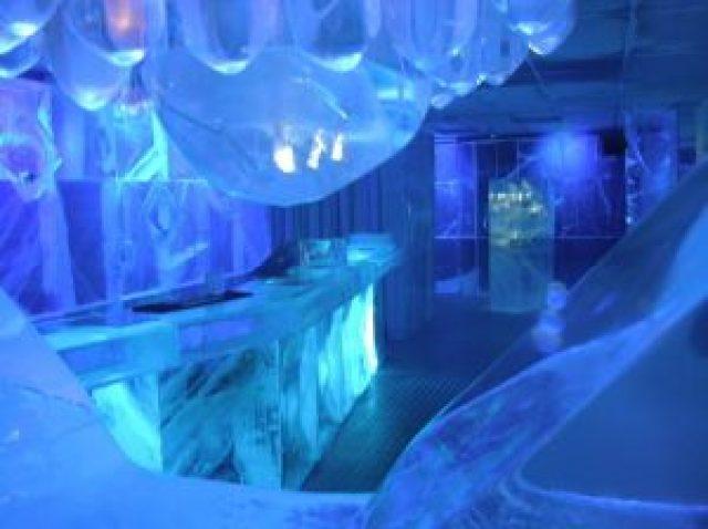 bar fait de glace