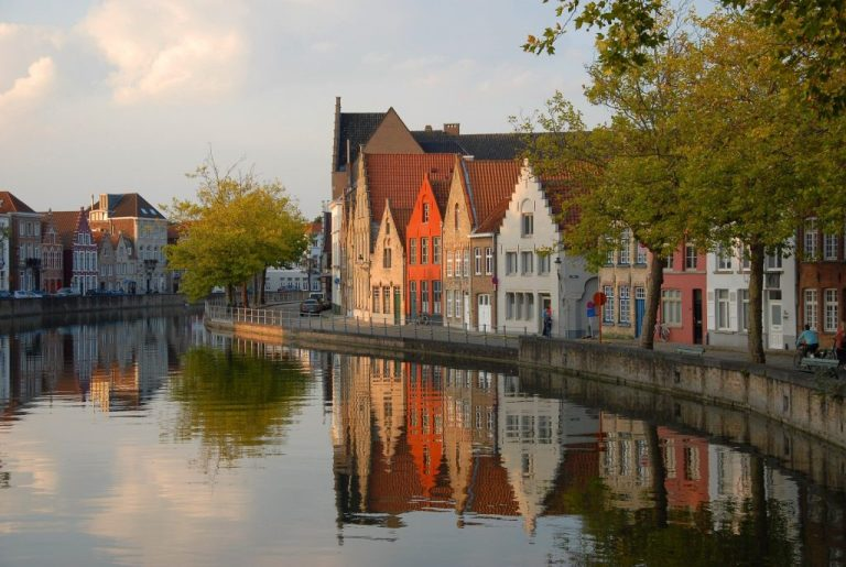 canaux bruges parmi destinations romantiques europe