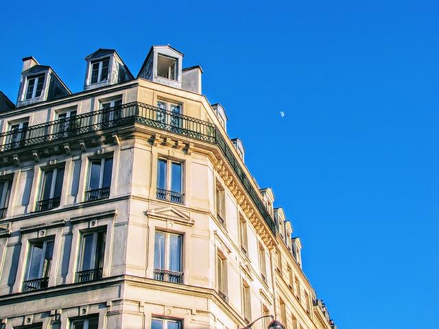 façade immeuble parisien