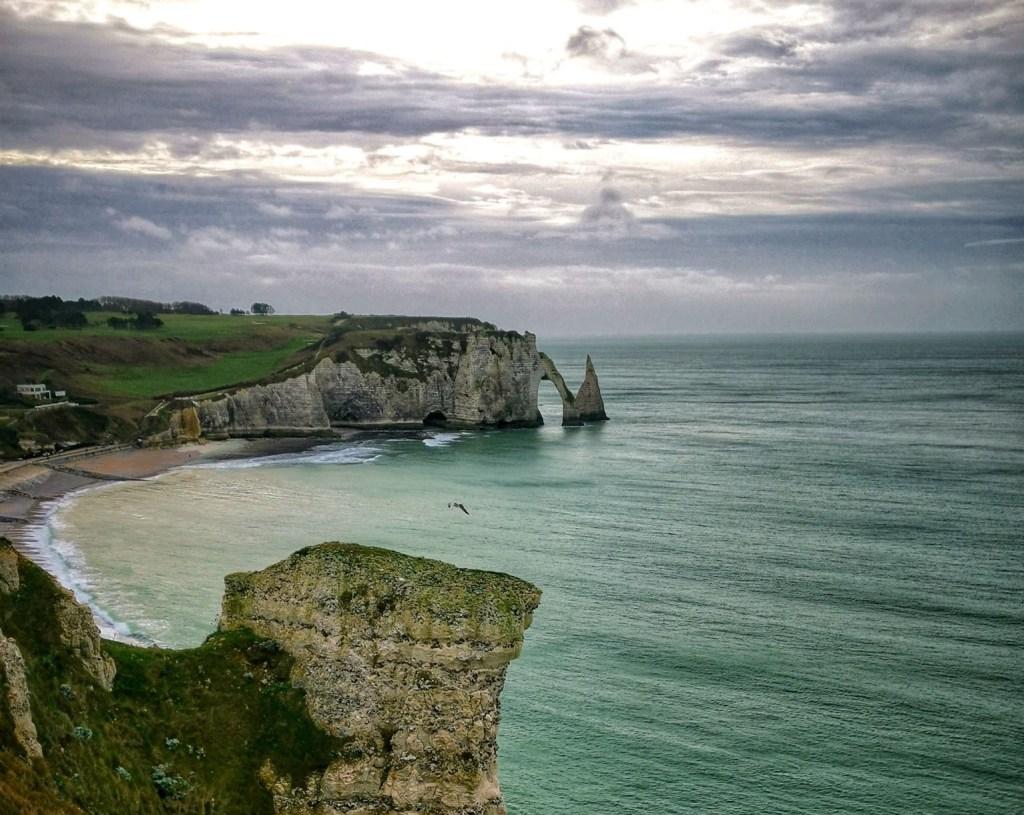 Falaises étretat  découvrir la Normandie