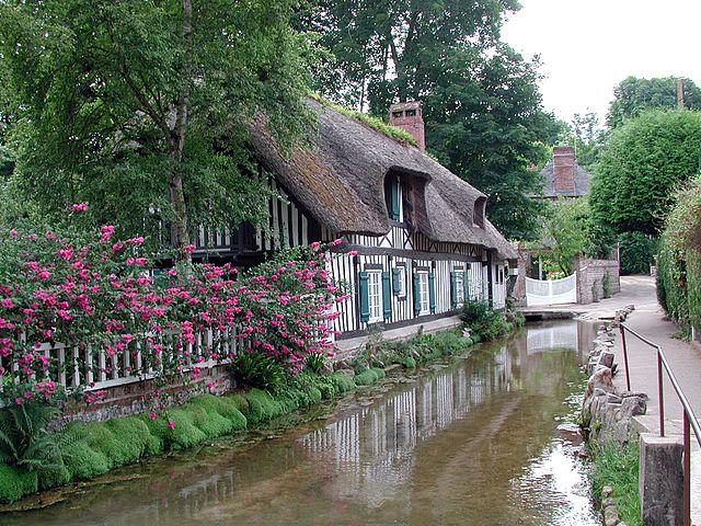 une maison et fleuve les veules à veules les roses