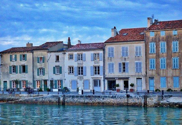 maisons et port de Saint Martin en Ré