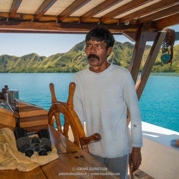 La plus belle moustache de Komodo, c'est notre capitaine ! (Duyung Baru, Indonésie, juillet 2016)