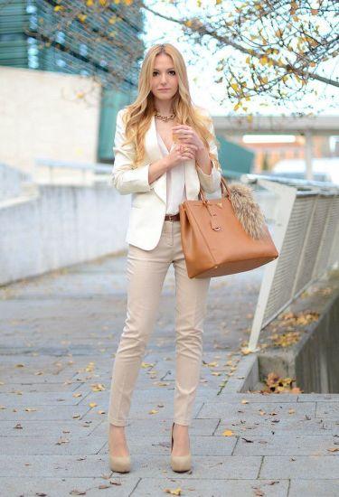 blazer-blusa-de-botones-pantalones-pitillo-zapatos-de-tacon-bolsa-tote-correa-collar-original-12599