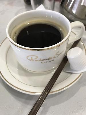 勝手に置いていく有料のコーヒー