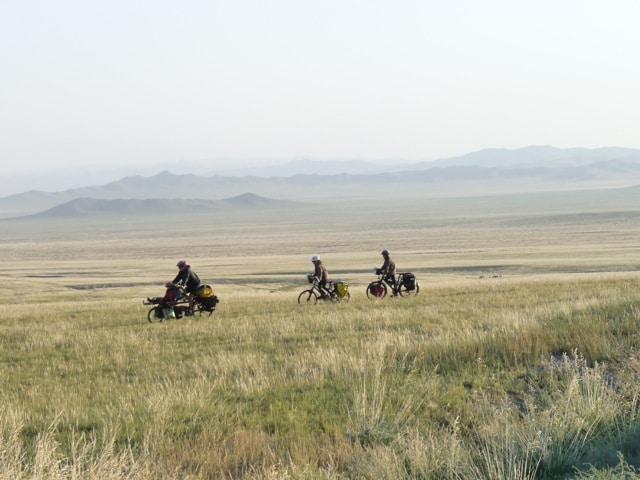 A la recherche d'un bivouac en Mongolie