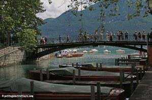 Annecy en famille - le pont des amours