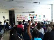 enfants en activité extra scolaire pour apprendre, photo de Bibliothèques de Montréal (CC BY-NC-ND 2.0)