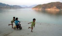coopération enfants, photo de Philippe Semanaz (CC BY-NC 2.0)