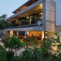 Casa com concreto aparente