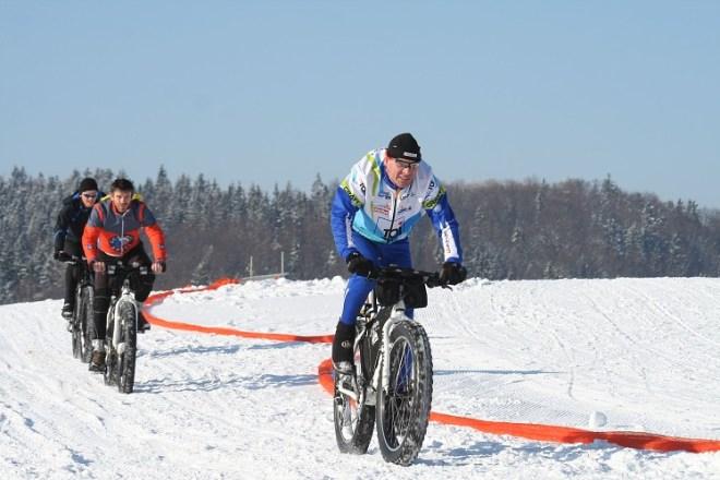 Zdroj fotografie: https://www.jankopka.cz/na-sneznem-kole-proti-psim-sprezenim-2011