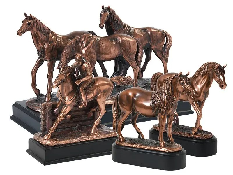 Our lovely figurine equine ashes keepsake urns are so discreet and look lovely in any setting. Sculptured ornamental ashes urns caskets for horses and ponies.