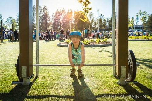Mitalijuhlat Einarin Puistossa valokuvaaja Petri Jauhiainen