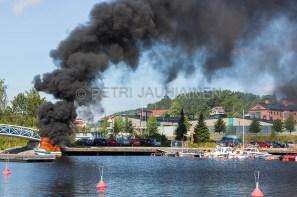 Tulipalo Kuopion Maljalahden satamassa-12
