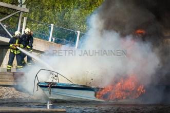 Tulipalo Kuopion Maljalahden satamassa-15