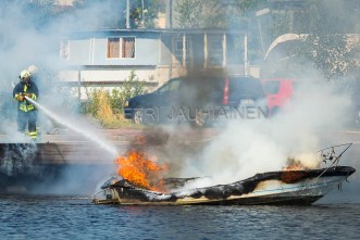 Tulipalo Kuopion Maljalahden satamassa-22
