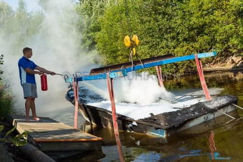 Tulipalo Kuopion Maljalahden satamassa-24