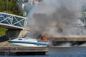 Tulipalo Kuopion Maljalahden satamassa-8