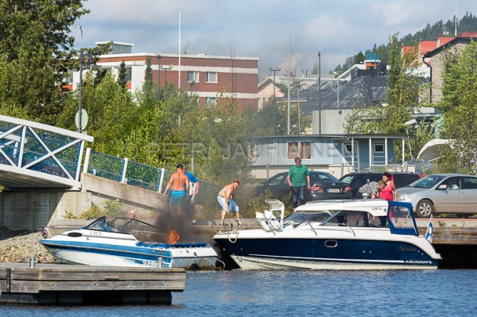 Tulipalo Kuopion Maljalahden satamassa