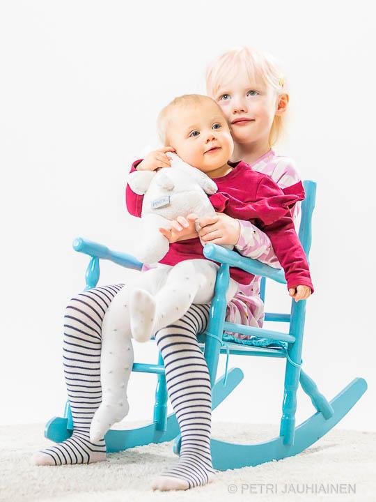 Lapsikuvaus kotistudiossa valokuvaaja Petri Jauhiainen Kuopio