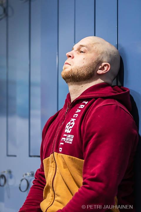 Meidän Apteekki -lehden kolumnisti Timo Kettunen valokuvaaja Petri Jauhiainen
