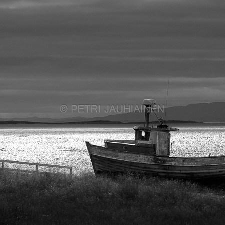 Kalastusalus Norjan Varanginvuonossa valokuvaaja Petri Jauhiainen