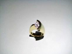18K Gold C.Z. Ring Artist: Eddie Sakamoto Catalog: 248-77-2